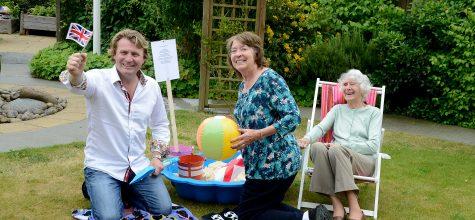 Celebrity gardener David Domoney pops in to judge Anisha Grange's Hallmark in Bloom competition