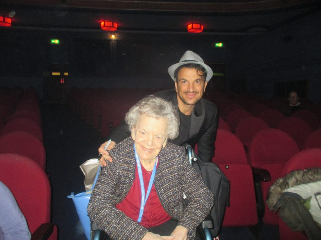 Hallmark Care Homes resident meets Peter Andre