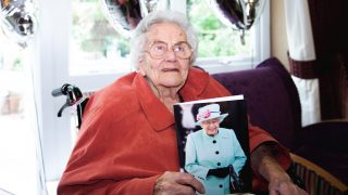 Ty Enfys resident celebrates 100th birthday