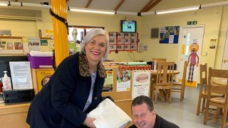 Anya Court donates towels to The Dogs Trust