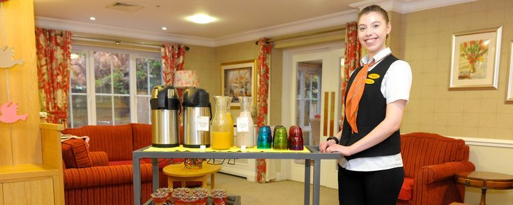 An honest interview with Rianne, Hostess at Lakeview Care Home
